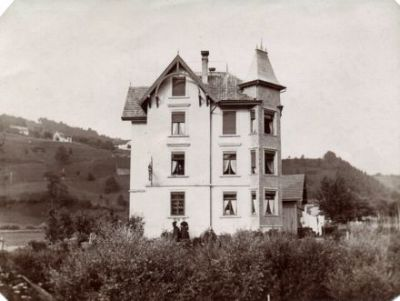 Gnist, Au, Friedheim