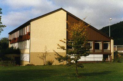 Sekundarschulhaus mit Erweiterung: Singsaal, Realschule