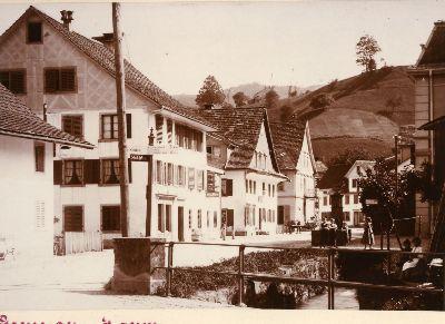 Lindenhof, Dorfstrasse