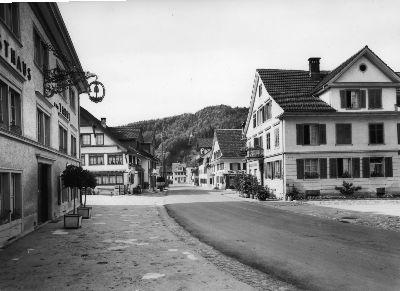 Dorfstrasse Tanne, Frohsinn