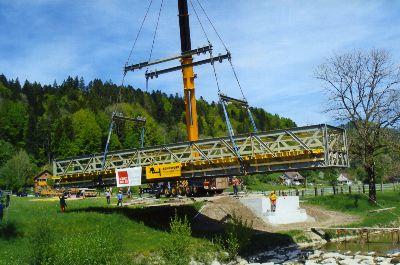 Töss: Wiedereinbau der Blacktenbrücke