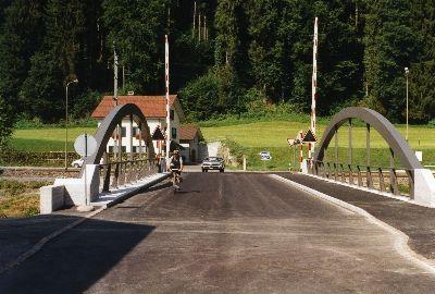 Neue Tössbrücke in Juckern