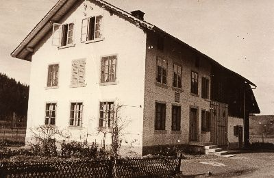 Juckern, Haus Hirt, Stössel, Braun