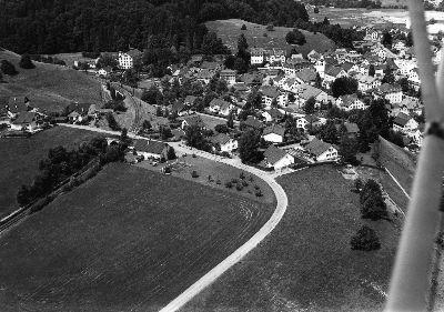 Bauma: Luftaufnahme Siliseggstrasse
