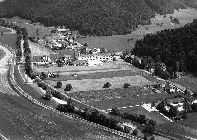 Juckern, Weberei Grünthal und Schulhaus Haselhalden