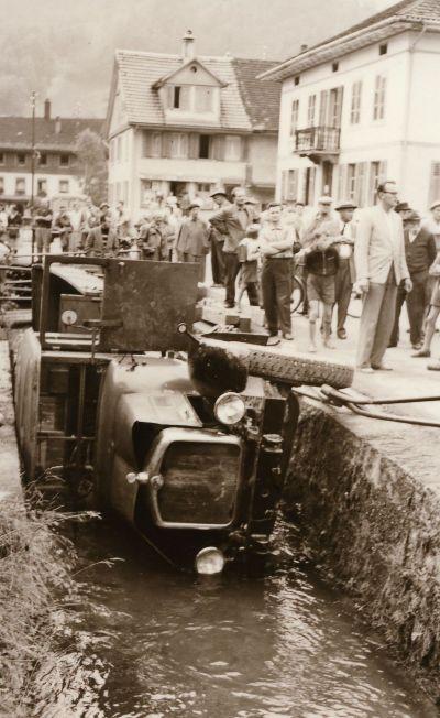 Unfall mit Lastwagen von Edy Bosshard