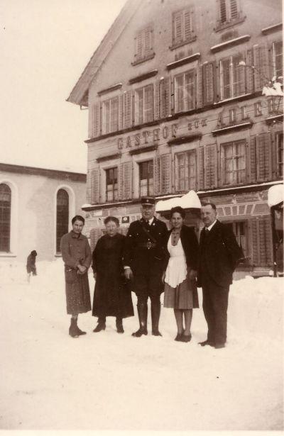 Familie Bamert, Gasthof Adler mit französischen Internierten