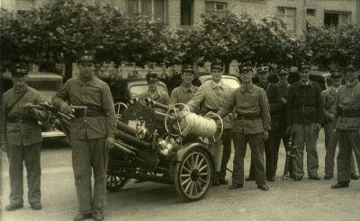 Feuerwehr mit Schlauchwagen