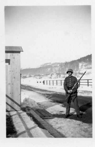 Bewachung der Schlösslibrücke im 2. Weltkrieg