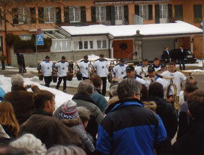 Neujahrsapéro Bauma mit Treichlergruppe Fischenthal