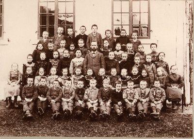 Schule Blitterswil mit Lehrer Jakob Meier