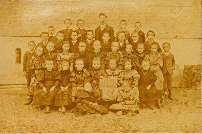 Schule Undalen mit Lehrer K. Glättli