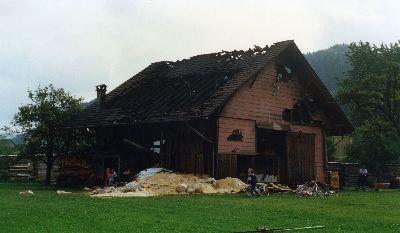 Feuerwehr Bauma: Brand Schreinerei Nef