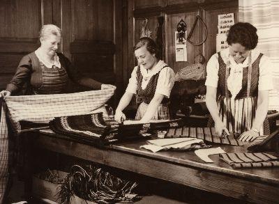 Heimarbeit: Frau Bruhin, Frau Gautschi Frau Rebsamen