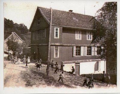 Sternenberg, Schulhaus