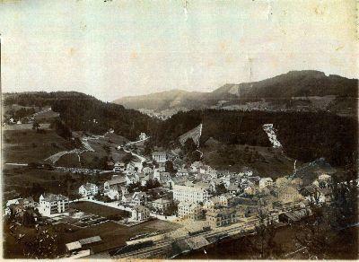Bauma: Luftaufnahme Dorf