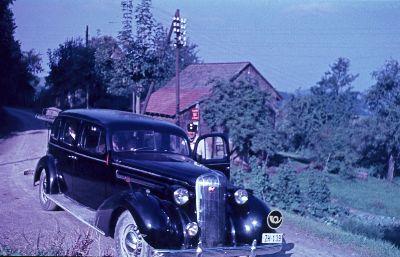 Postauto</x> mit <x>Personenwagen in der Rossweid