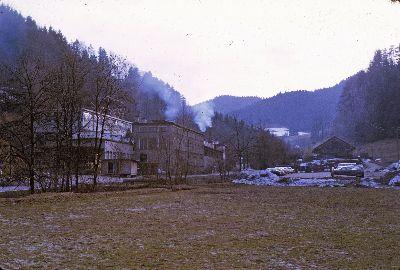 Giesserei Wolfensberger mit altem Strassenverlauf