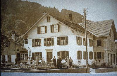 Haus Ferdinand Rüegg, Sattler, Aussteuern