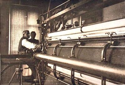 Handstickereimaschine in Bächi 1930