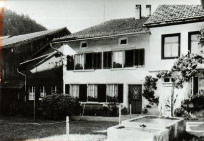 Wohnhaus Schoch, Anbau an Restaurant Krone Saland